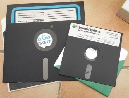 """Disquette 8"""" (20 cm) comparée à son successeur : la disquette 5""""1/4"""