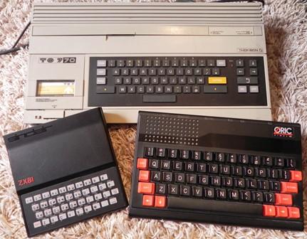 Trois ordinateurs du début de la micro : un TO7/70, un ZX81 et un ATMOS