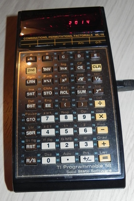 Merci à TN14 (14) pour sa calculatrice programmable TI-58 de TEXAS INSTRUMENTS
