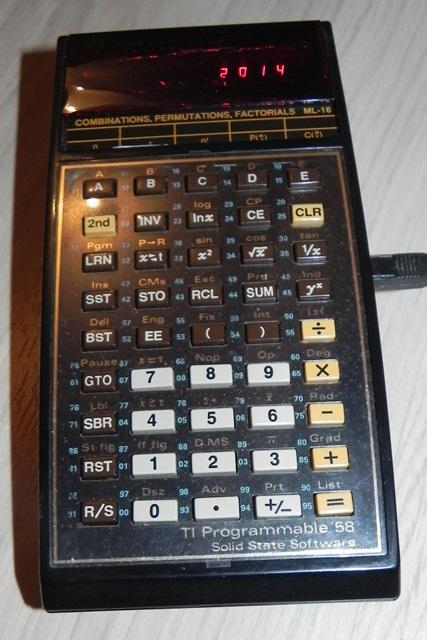Merci à TN14 (14) pour sa calculatrice programmable TI-58 de TEXAS INSTRUMENTS