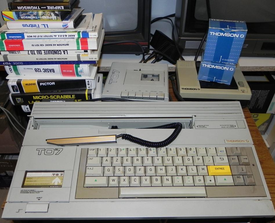 Merci à Michel (22) pour son TO7/70, son lecteur de disquette QDD, ses livres et ses jeux (Empire...)