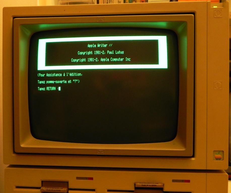 Le traitement de texte APPLE WRITER II (1982) sur APPLE IIe