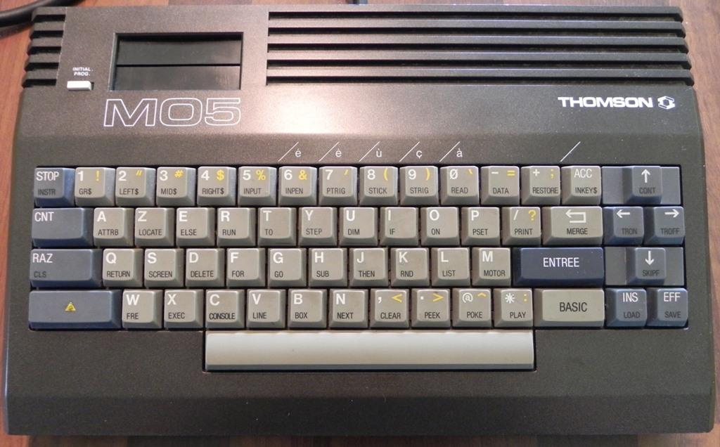 Le MO5 de THOMSON (clavier mécanique)