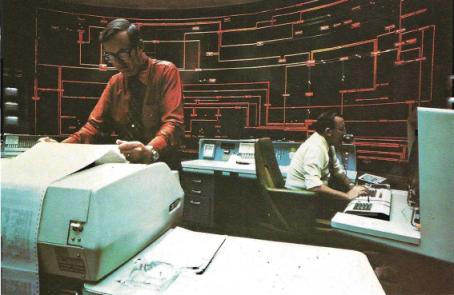 La salle de contrôle d'une centrale électrique moderne