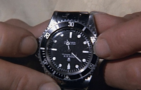 La Rolex Submariner de James Bond dans Vivre et Laisser Mourir : un petit bijou de technologie multi-fonctions... au cinéma seulement !