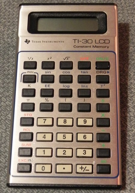 La calculatrice TI-30 LCD de TEXAS INSTRUMENTS (1980)