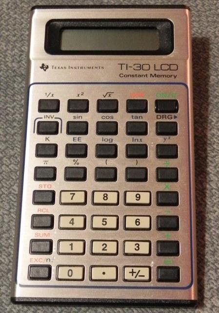 La calculatrice TI-30 LCD de TEXAS INSTRUMENTS (1980)